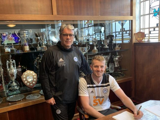New signing Sam Roscoe (right) with Ayr boss Ian McCall. PICTURE: Ayr United Media.