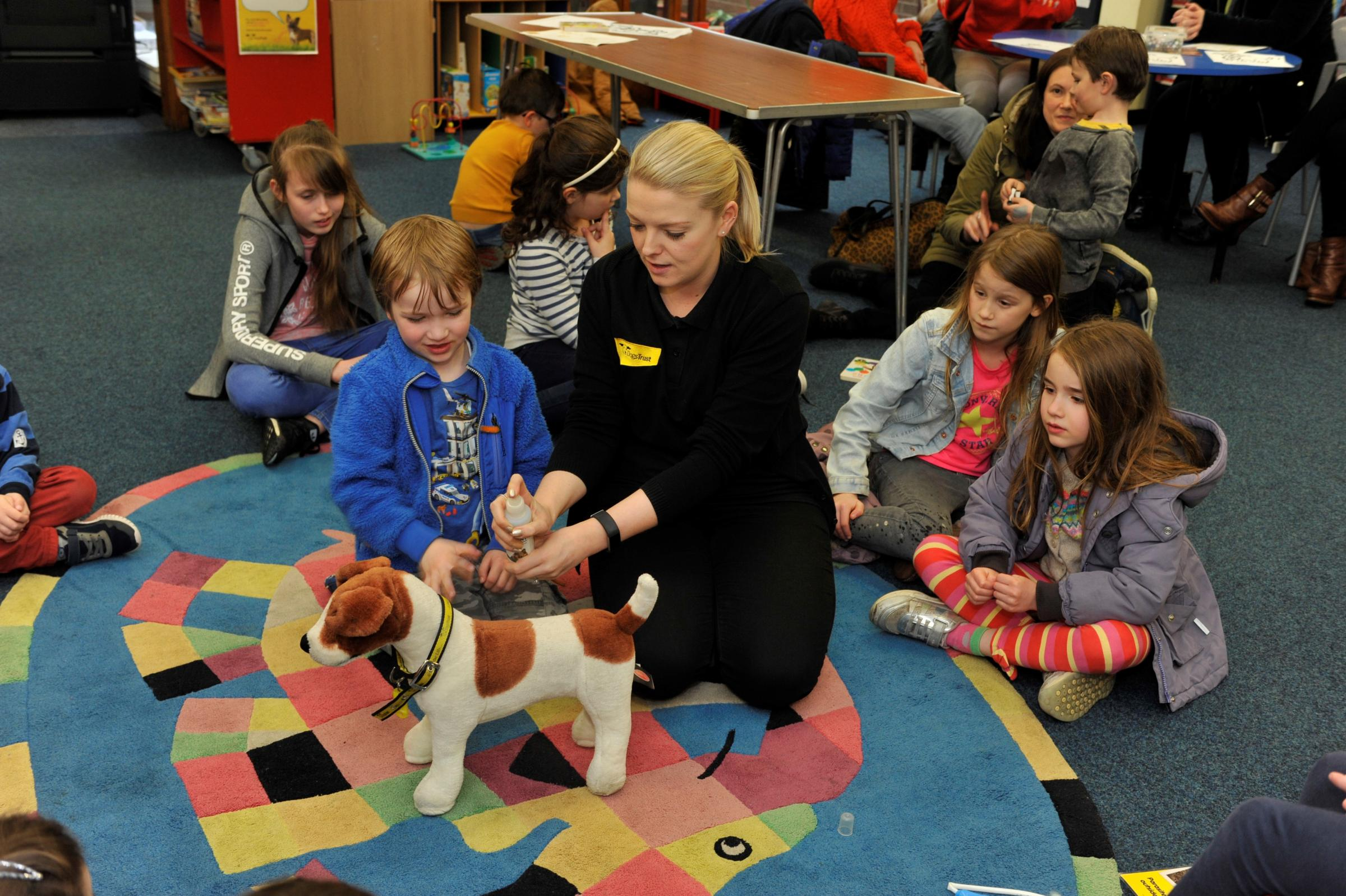 Dogs Trust visit to Troon Library