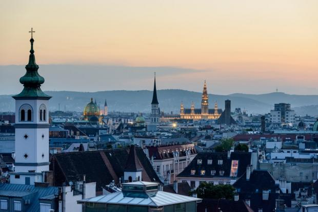 Troon Times: Last year savvy shoppers snapped up Vienna city breaks for next to nothing. Photography by Jacek Dylag. Photography on Unsplash